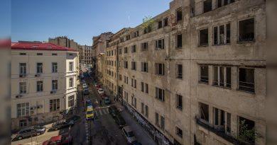 Adevărul a fost… demolat în București! La propriu! – reportaj video