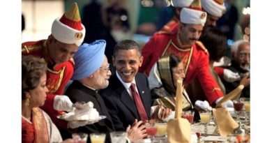 Tipuri ciudate de diplomație…