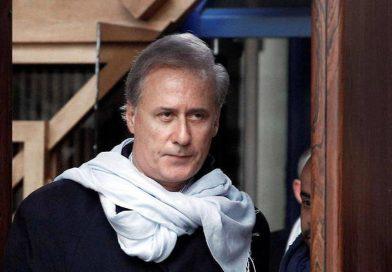 Un primar francez conduce localitatea din celula închisorii